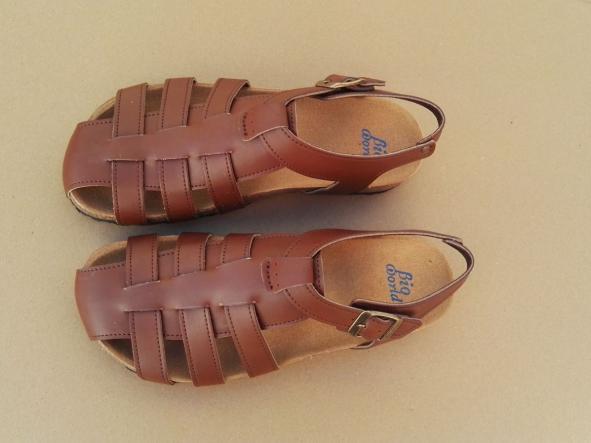 SIERRA, sandalias veganas, sandalias veganas mujer, calzado vegano, sandalias de tacón bajo, sandalias bioworld, vegan shoes.  [1]