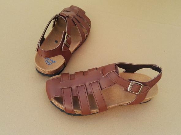 SIERRA, sandalias veganas, sandalias veganas mujer, calzado vegano, sandalias de tacón bajo, sandalias bioworld, vegan shoes.