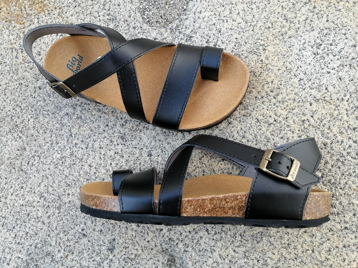GENOVA NEGRO, sandalias veganas, sandalias veganas mujer, calzado vegano, sandalias de tacón bajo, sandalias bioworld, vegan shoes.
