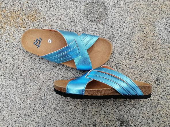 PAVIA color ACQUA, sandalias veganas, sandalias veganas mujer, calzado vegano, sandalias de tacón bajo, sandalias bioworld, vegan shoes.  [2]