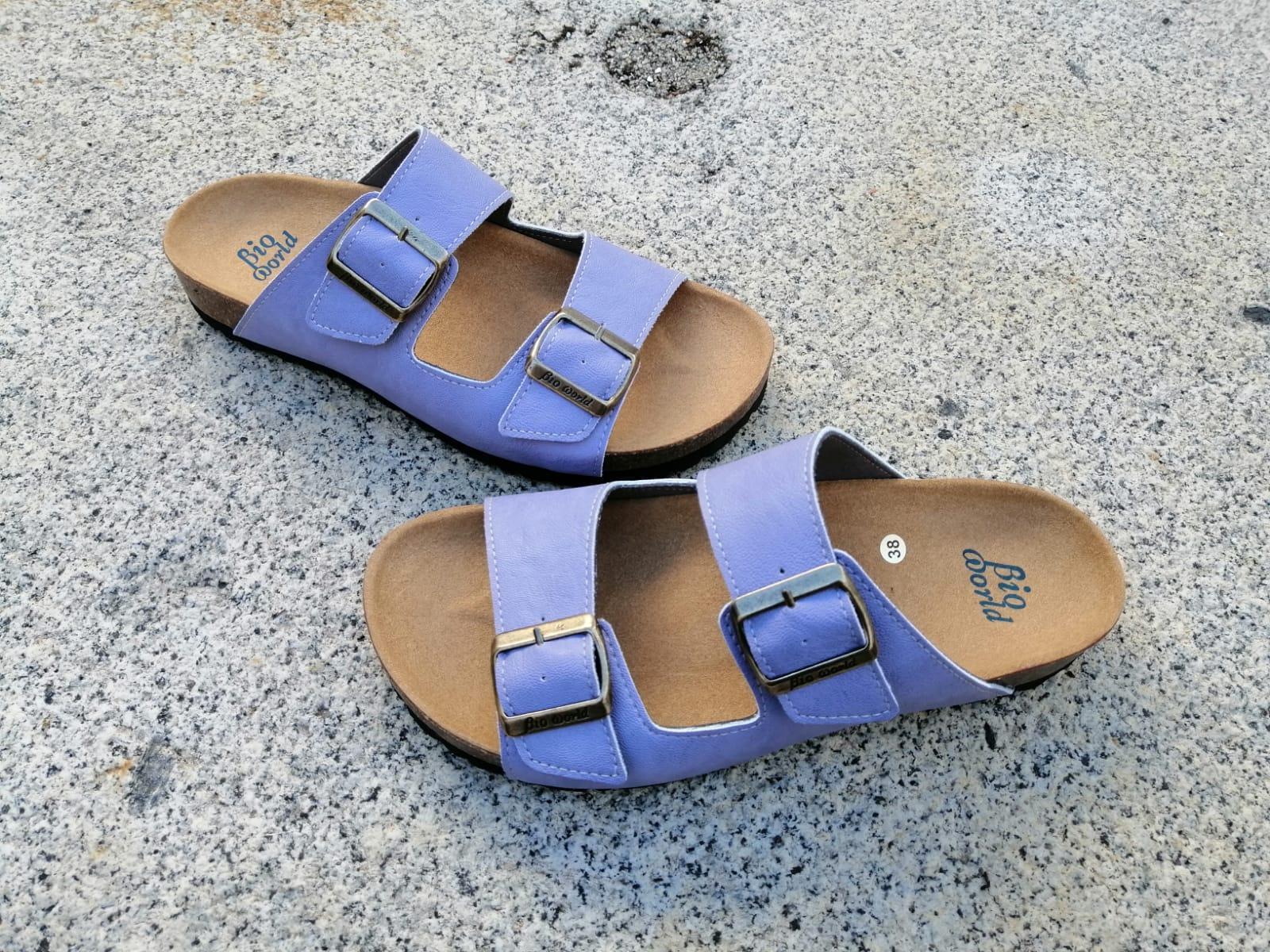 Victoria lila, edición limitada  sandalias veganas, sandalias veganas mujer, calzado vegano, sandalias de tacón bajo, sandalias bioworld, vegan shoes.