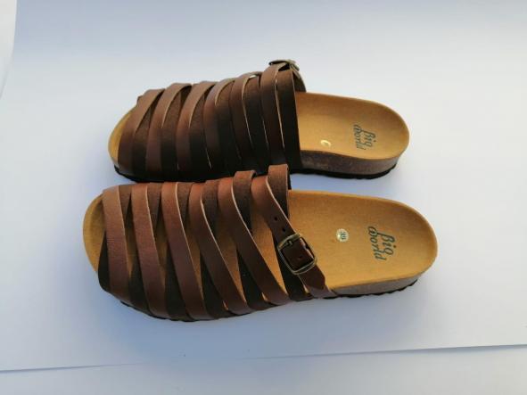 Alejandría marrón  sandalias veganas, sandalias veganas mujer, calzado vegano, sandalias de tacón bajo, sandalias bioworld, vegan shoes.