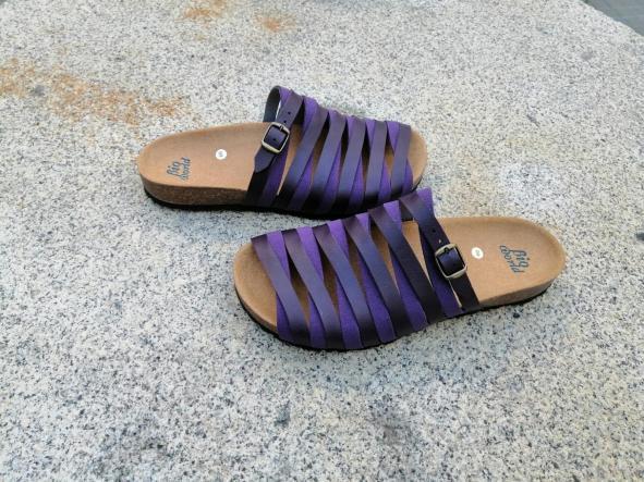 Alejandría Morado  sandalias veganas, sandalias veganas mujer, calzado vegano, sandalias de tacón bajo, sandalias bioworld, vegan shoes. [1]