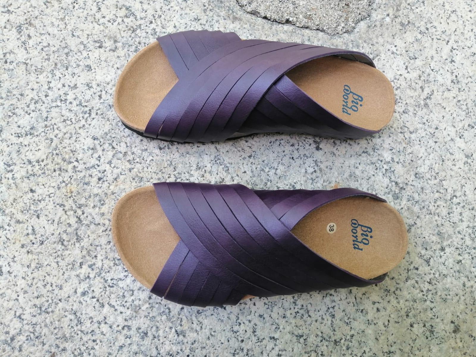 Jerusalem deep purple. sandalias veganas, sandalias veganas mujer, calzado vegano, sandalias de tacón bajo, sandalias bioworld, vegan shoes.