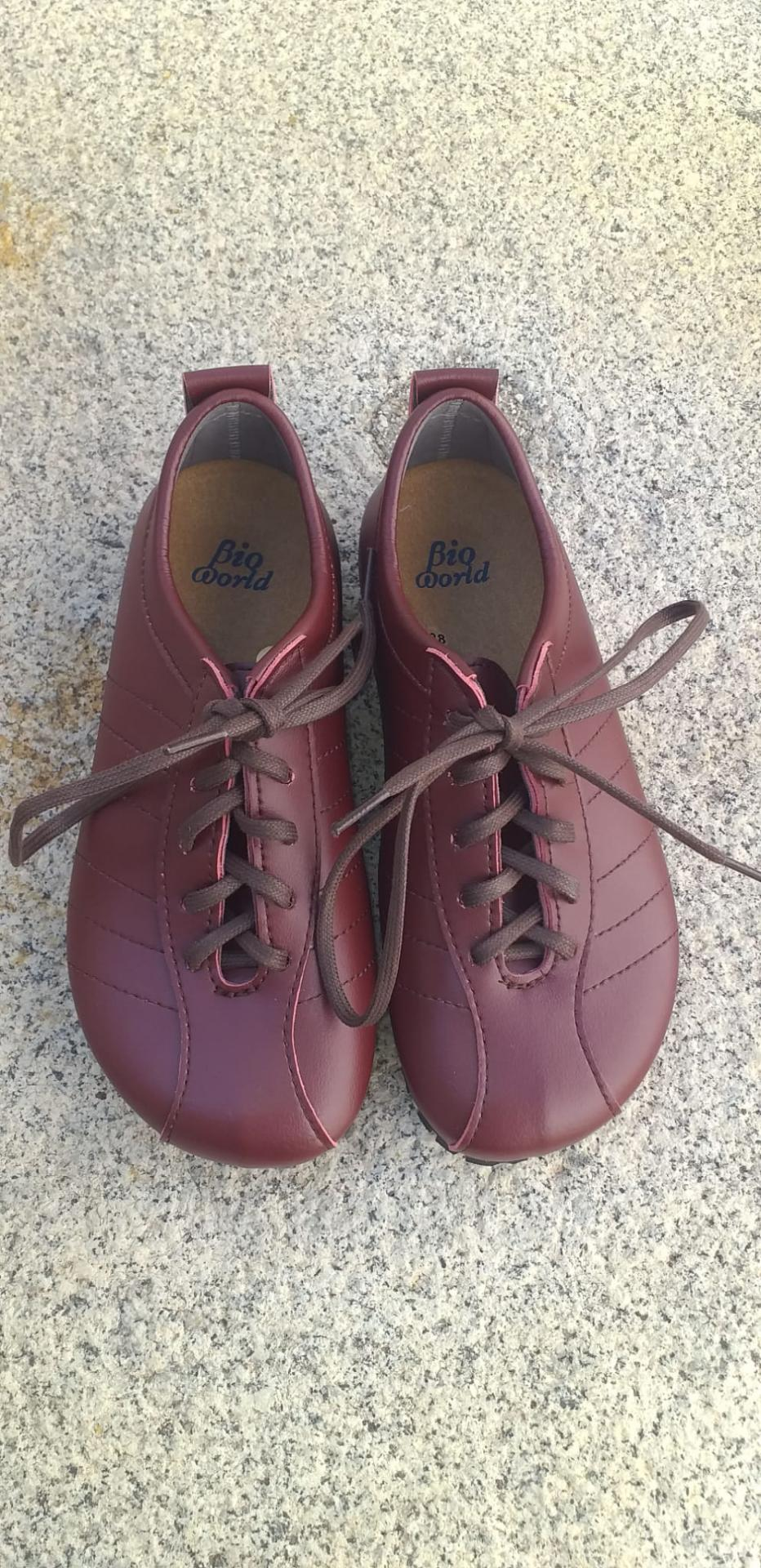 BRASIL BURDEOS  Zapatos veganos, Zapatos de diseño, Zapatos cerrados, Zapatos Planos, zapatos de hombre, zapatos de mujer