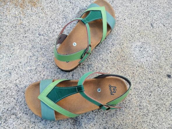FIESTA combi 3 verdes, sandalias veganas, sandalias veganas mujer, calzado vegano, sandalias de tacón bajo, sandalias bioworld, vegan shoes, sandalias de colores.  [3]