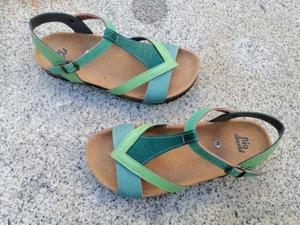 FIESTA combi 3 verdes, sandalias veganas, sandalias veganas mujer, calzado vegano, sandalias de tacón bajo, sandalias bioworld, vegan shoes, sandalias de colores.  [1]