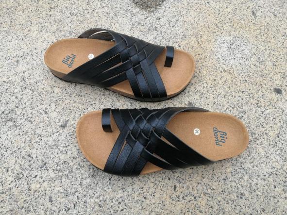 Modelo TRAJANO, Color negro sandalias veganas, sandalias veganas mujer, calzado vegano, sandalias de tacón medio, sandalias bioworld, vegan shoes [3]