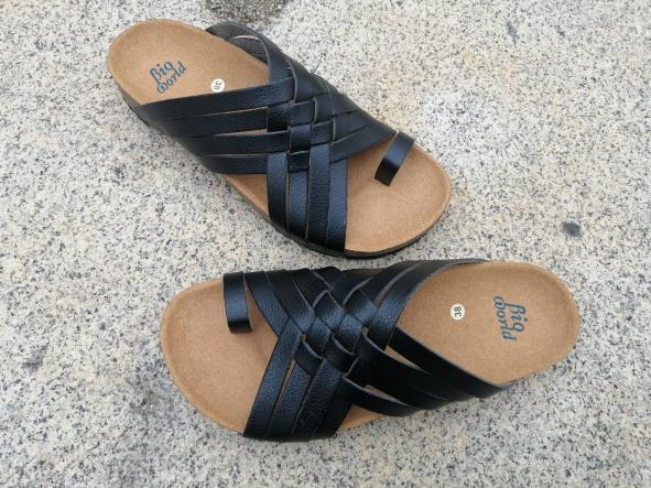 Modelo TRAJANO, Color negro sandalias veganas, sandalias veganas mujer, calzado vegano, sandalias de tacón medio, sandalias bioworld, vegan shoes [1]