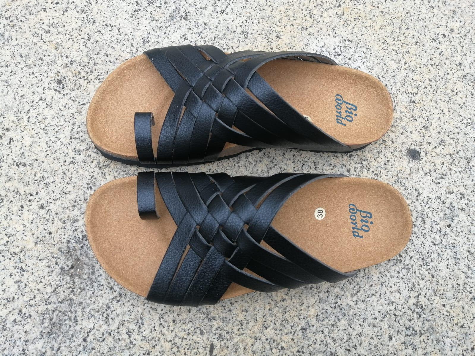 Modelo TRAJANO, Color negro sandalias veganas, sandalias veganas mujer, calzado vegano, sandalias de tacón medio, sandalias bioworld, vegan shoes