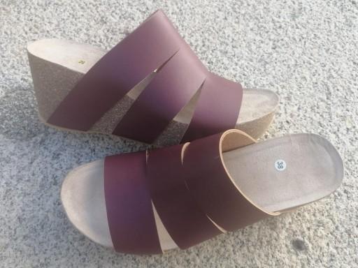 Modelo millas, burdeos malinche sandalias veganas, sandalias veganas mujer, calzado vegano, sandalias de plataforma, sandalias bioworld, vegan shoes. [3]