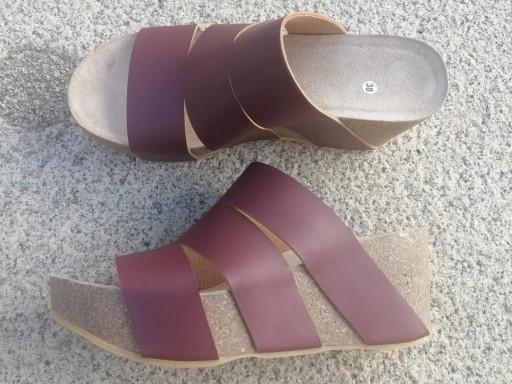 Modelo millas, burdeos malinche sandalias veganas, sandalias veganas mujer, calzado vegano, sandalias de plataforma, sandalias bioworld, vegan shoes. [1]