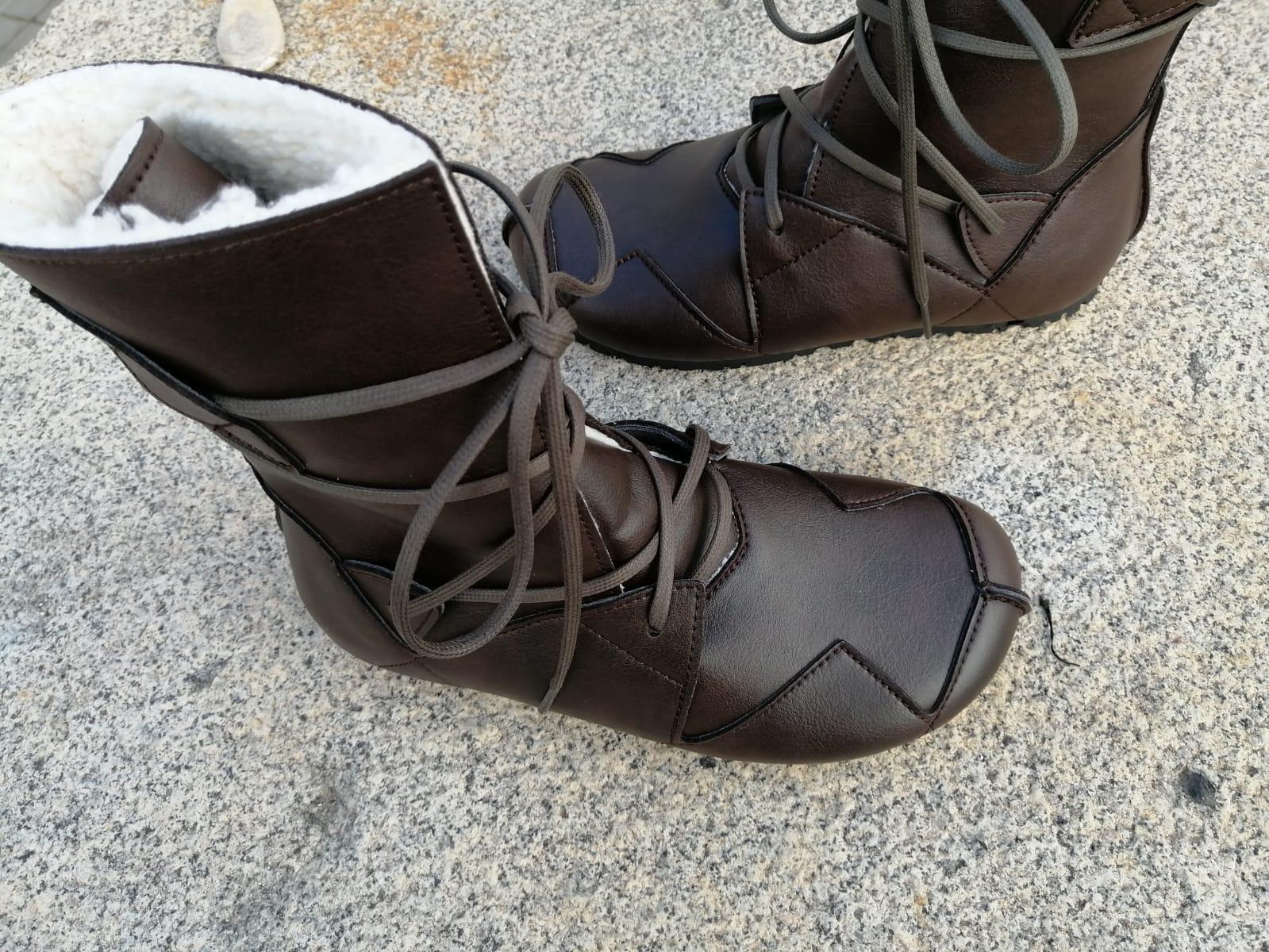 BOSQUE marrón oscuro con forro blanco tipo borrego, fake wool Envío Gratis, Botas Veganas, Botines Veganos, Zapatos de Invierno, Botas de Encaje