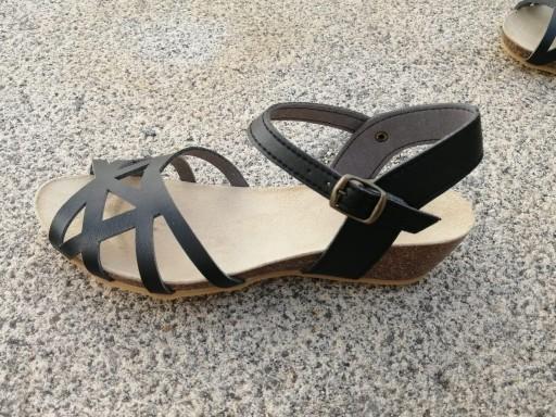 MODELO Nicosia negro, Colección 100% HECHO A MANO, sandalias veganas, sandalias veganas mujer, calzado vegano, sandalias de tacón medio, sandalias bioworld, vegan shoes, sandalias negras.  [3]