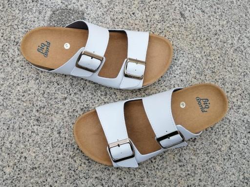 VICTORIA BLANCO, sandalias veganas, sandalias veganas mujer, calzado vegano, sandalias de tacón bajo, sandalias bioworld, vegan shoes.  [1]