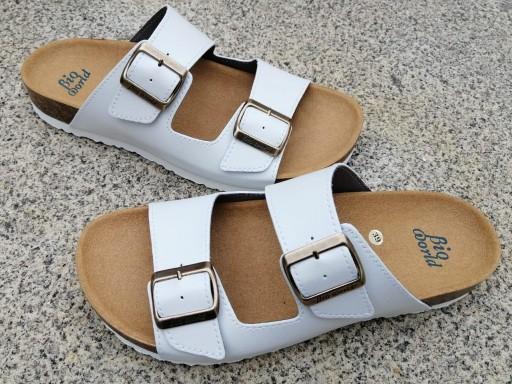VICTORIA BLANCO, sandalias veganas, sandalias veganas mujer, calzado vegano, sandalias de tacón bajo, sandalias bioworld, vegan shoes.  [2]