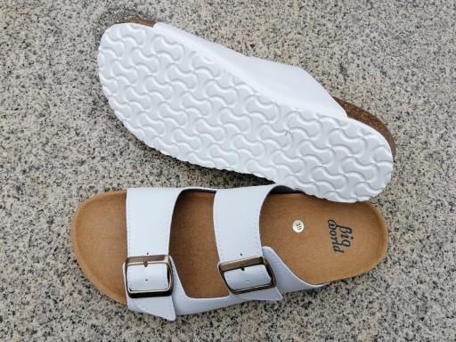 VICTORIA BLANCO, sandalias veganas, sandalias veganas mujer, calzado vegano, sandalias de tacón bajo, sandalias bioworld, vegan shoes.  [3]