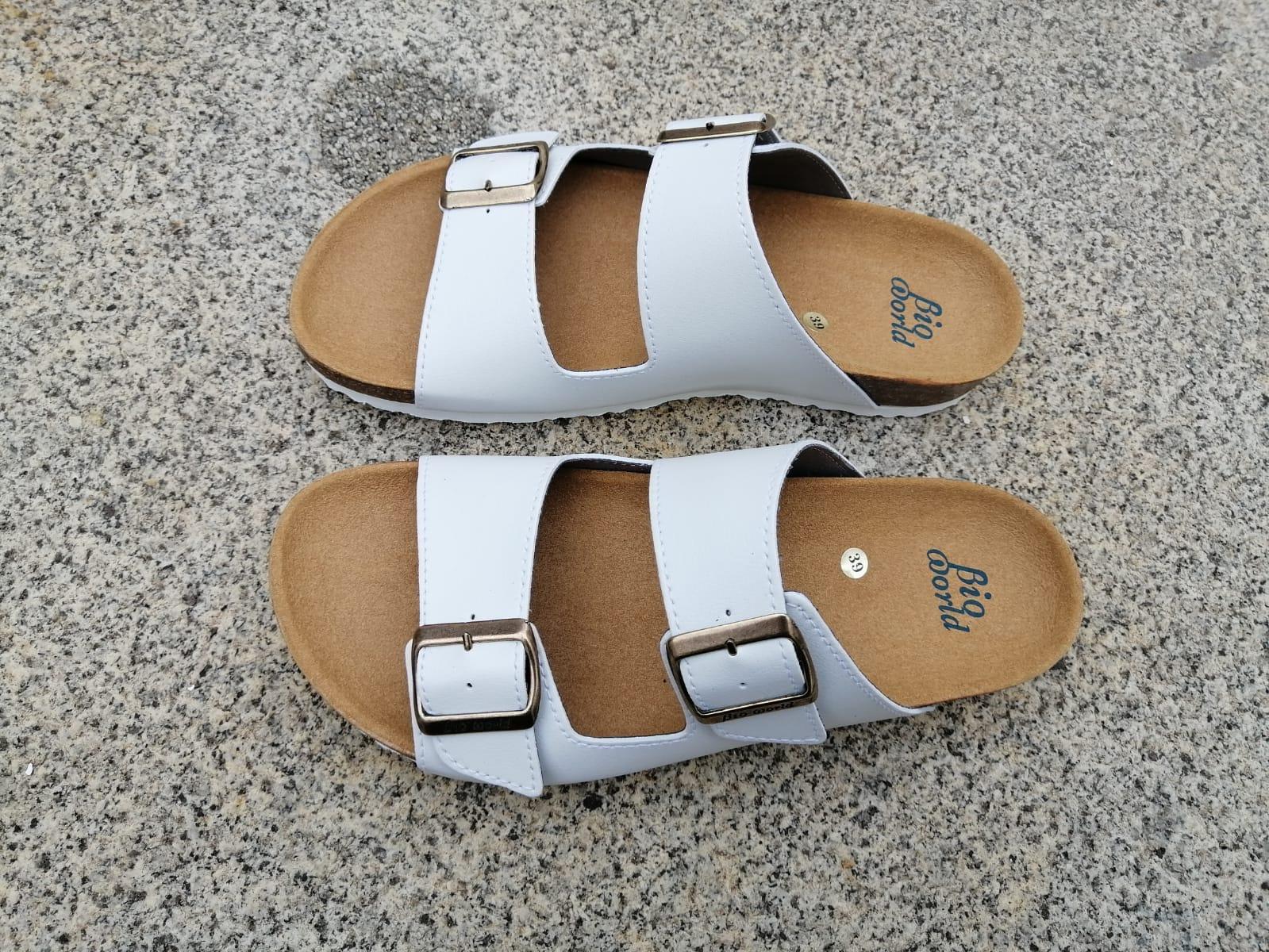 VICTORIA BLANCO, sandalias veganas, sandalias veganas mujer, calzado vegano, sandalias de tacón bajo, sandalias bioworld, vegan shoes.