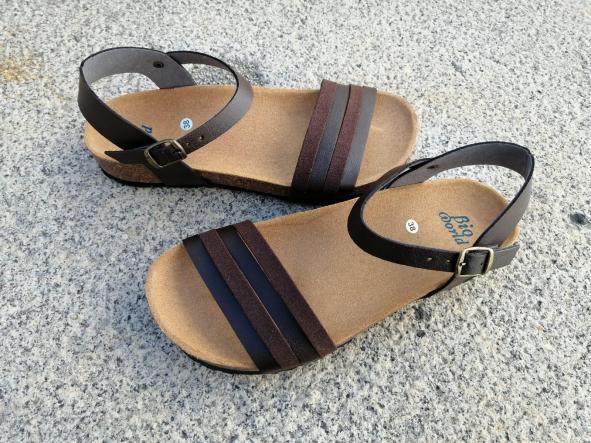 ROMEO BROWN , sandalias veganas, sandalias veganas mujer, calzado vegano, sandalias de tacón bajo, sandalias bioworld, vegan shoes.  [3]