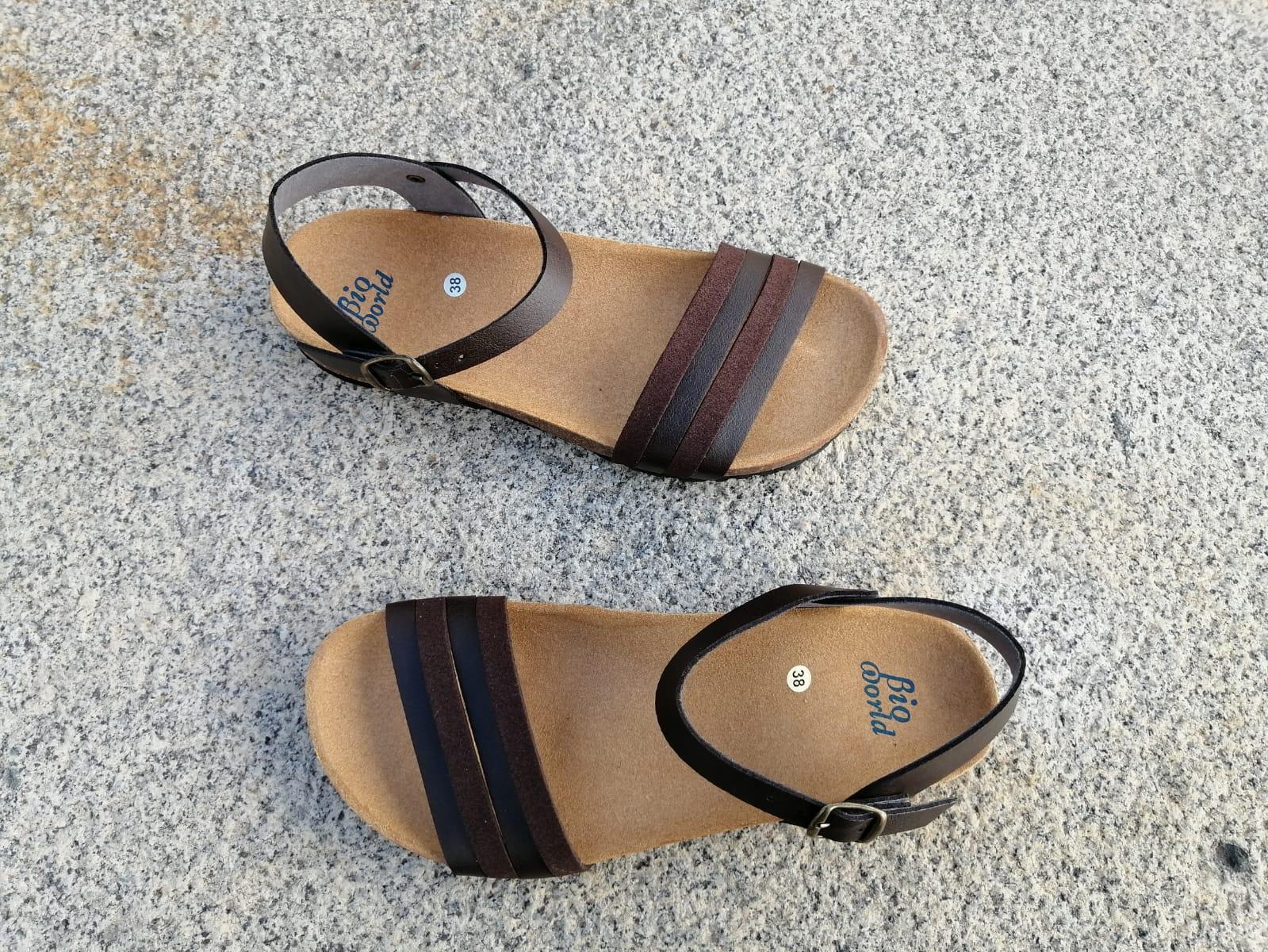 ROMEO BROWN , sandalias veganas, sandalias veganas mujer, calzado vegano, sandalias de tacón bajo, sandalias bioworld, vegan shoes.