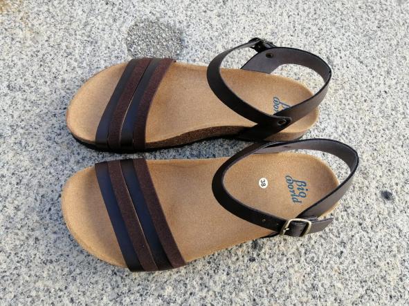 ROMEO BROWN , sandalias veganas, sandalias veganas mujer, calzado vegano, sandalias de tacón bajo, sandalias bioworld, vegan shoes.  [2]