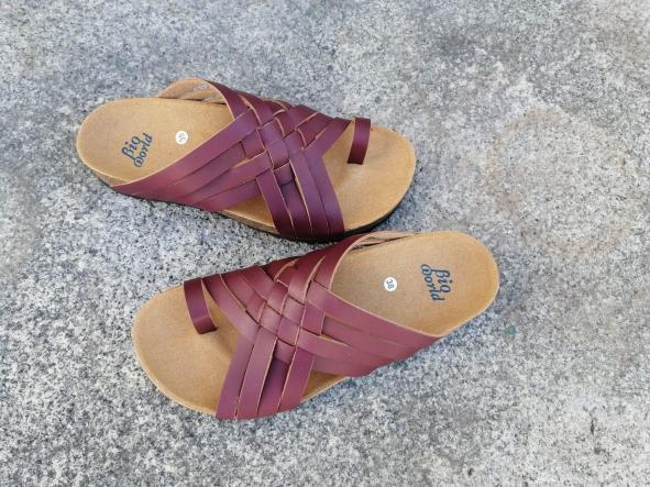 Modelo TRAJANO, Color BURDEO sandalias veganas, sandalias veganas mujer, calzado vegano, sandalias de tacón medio, sandalias bioworld, vegan shoes [1]