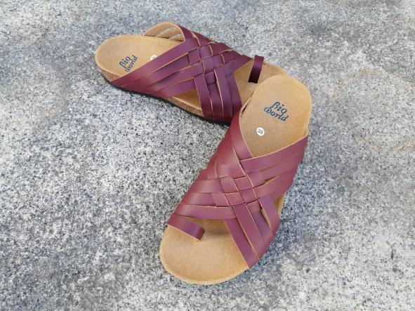 Modelo TRAJANO, Color BURDEO sandalias veganas, sandalias veganas mujer, calzado vegano, sandalias de tacón medio, sandalias bioworld, vegan shoes [3]