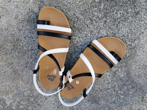 VALENCIA Combi 2 blanco y negro, sandalias veganas, sandalias veganas mujer, calzado vegano, sandalias de tacón bajo, sandalias bioworld, vegan shoes, sandalias de colores. [3]