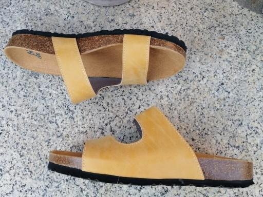 Modelo Begoña color camel, color Grapé sandalias veganas, sandalias veganas mujer, calzado vegano, sandalias de tacón bajo, sandalias bioworld, vegan shoes. [2]