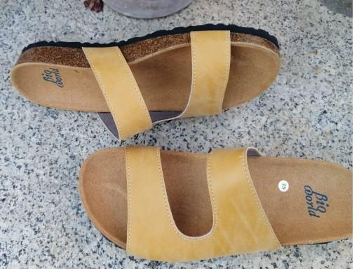 Modelo Begoña color camel, color Grapé sandalias veganas, sandalias veganas mujer, calzado vegano, sandalias de tacón bajo, sandalias bioworld, vegan shoes. [3]