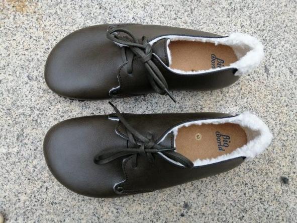 HELSINKI verde forrado en borrego. Zapatos veganos, Zapatos de diseño, Zapatos cerrados, Zapatos Planos, zapatos de hombre, zapatos de mujer.