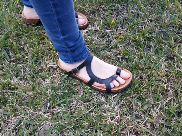 LUNA  NEGRO, sandalias veganas, sandalias veganas mujer, calzado vegano, sandalias de tacón bajo, sandalias bioworld, vegan shoes.  [2]