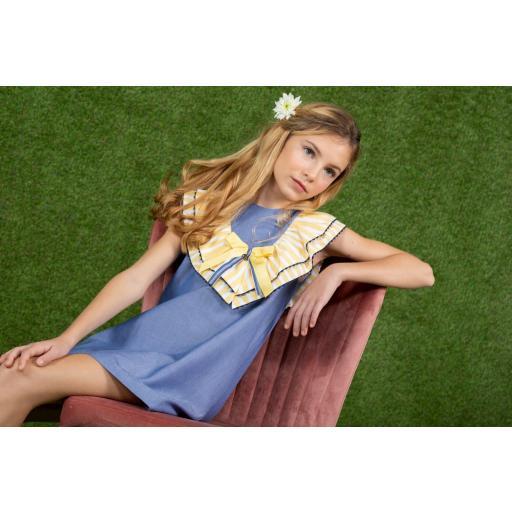 Vestido de niña de la familia Girasol de Yoedu.