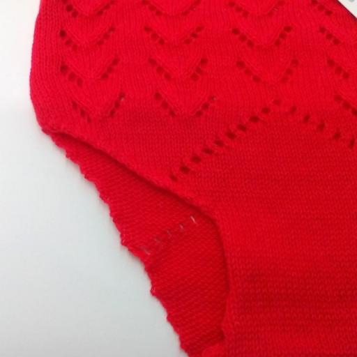 Braga de perle de niña en rojo de PIpos.   [1]