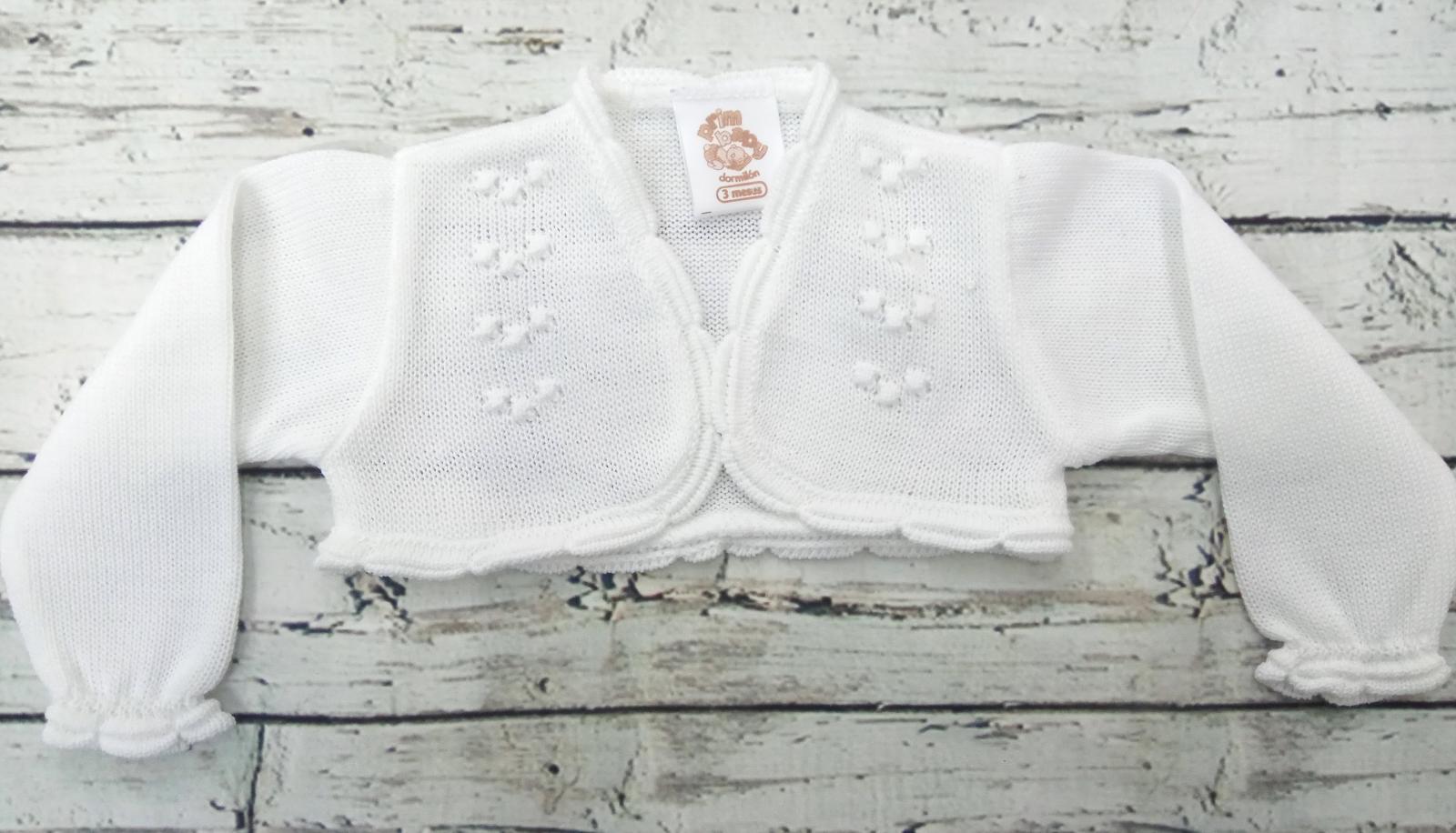 Chaqueta de niña blanca de perlé de Prim Baby.