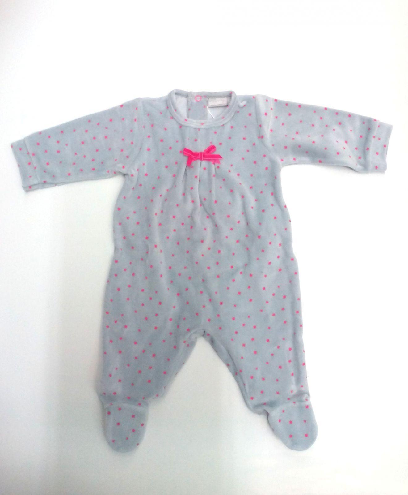 Pijama bebé gris con estrellas de Piruleta