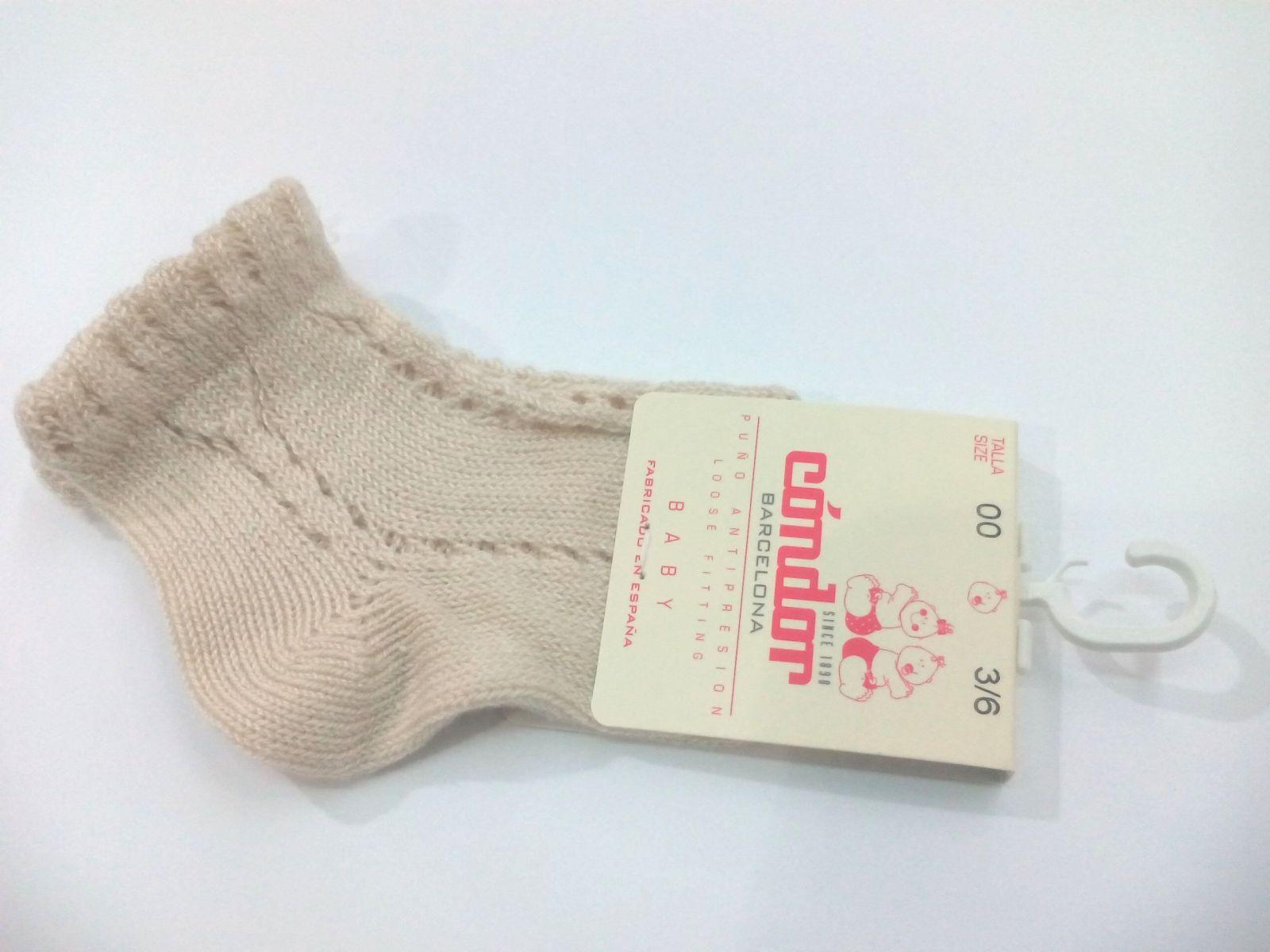 Calcetines cortos calados perlé lino de Cóndor .