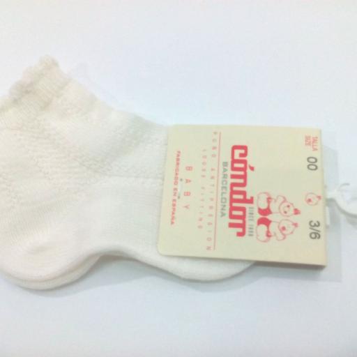Calcetines cortos labrados de Cóndor.