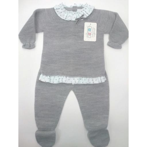 Conjunto de bebé gris de Pipos.