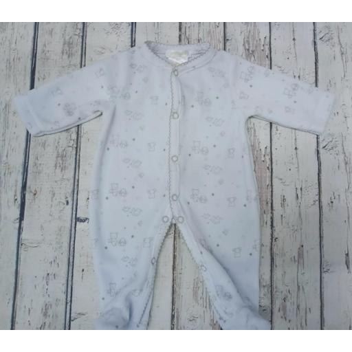 Pijama de bebè azul con oso gris de Deolinda.