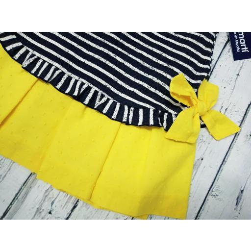 Vestido rayas con lazos amarillos de Basmarti. [2]