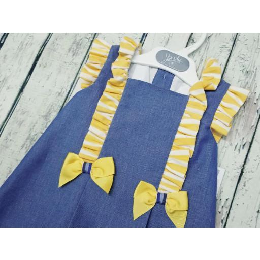 Vestido de niña familia Girasol de Yoedu. [1]