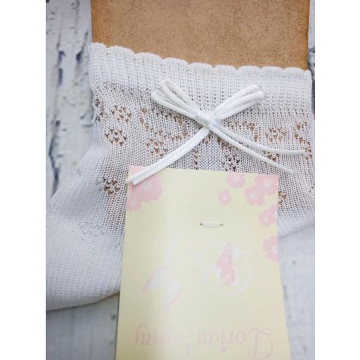 """Calcetín de niña de hilo en blanco """" lazo cordon """" de Dorian Gray"""