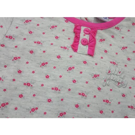 Pijama de bebé niña en gris con flores de Yatsi. [1]