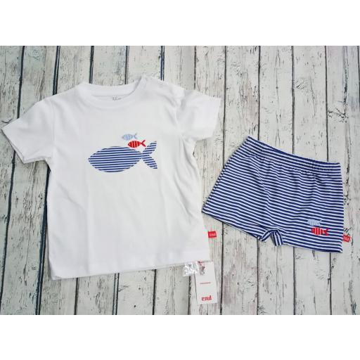 """Conjunto de niño de camiseta con bañador """"Pez"""" de Condor."""