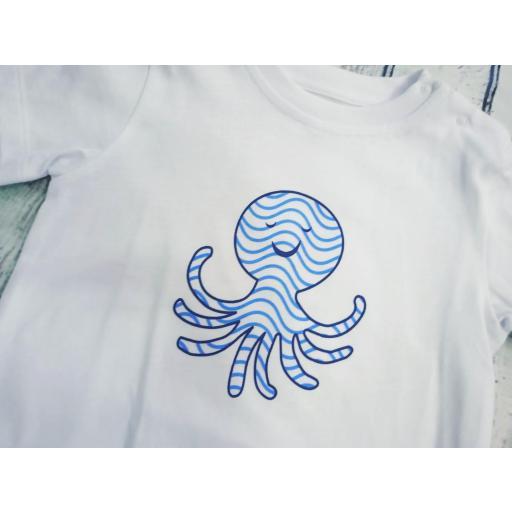 Conjunto de Camiseta con bañador de niño Pulpos de Cóndor. [1]