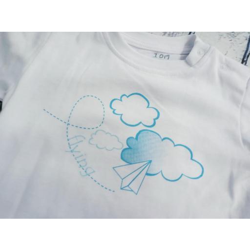 Conjunto de Camiseta con bañador de niño Nubes de Condor. [1]