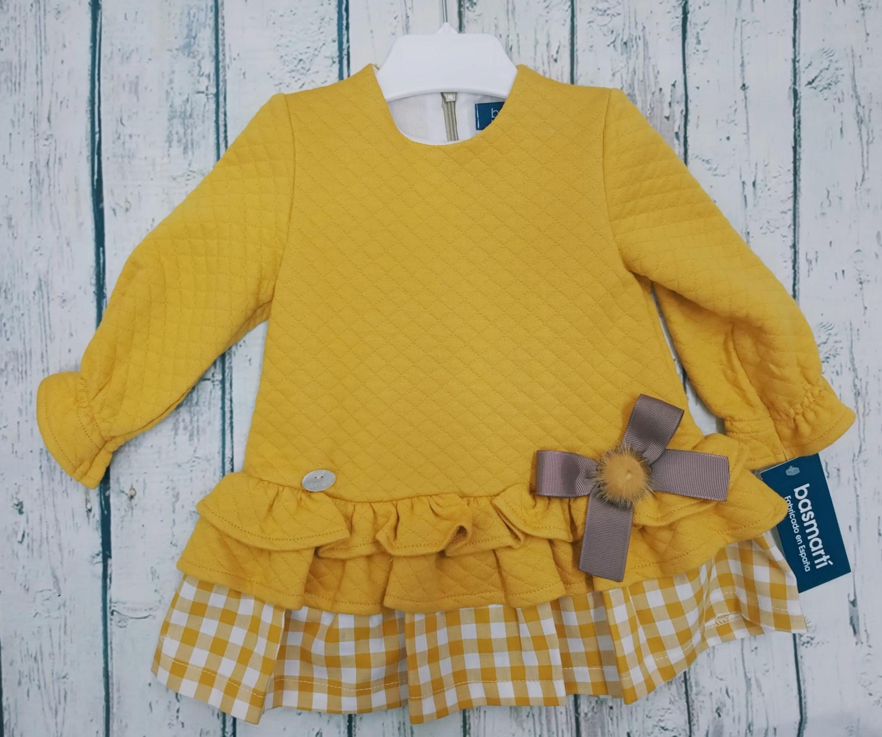 Vestido de niña  amarillo de Basmartí.
