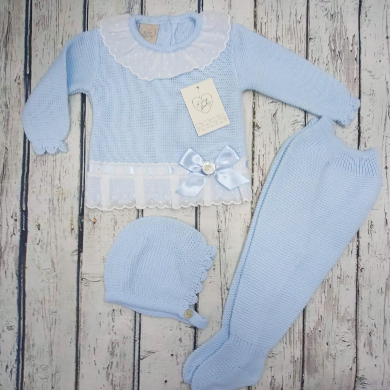 "Jersey con polaina de bebé "" Puntillas"" en celeste y capota  de Prim Baby."