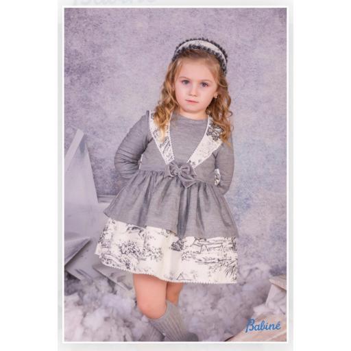 Vestido de niña en gris de Babiné. [0]